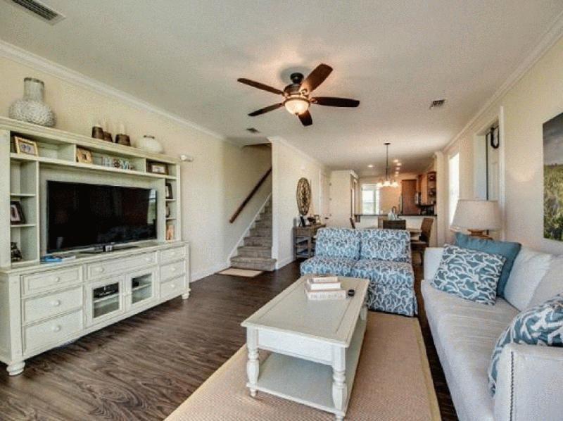COCO PLUM VACATION RENTALS & REAL ESTATE - Image 3