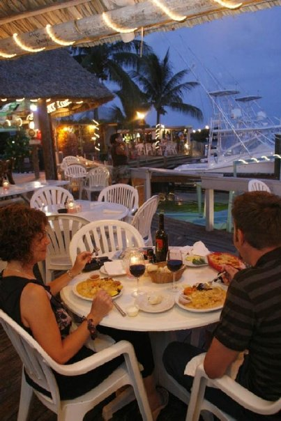 SNAPPERS OCEAN FRONT RESTAURANT - Image 4