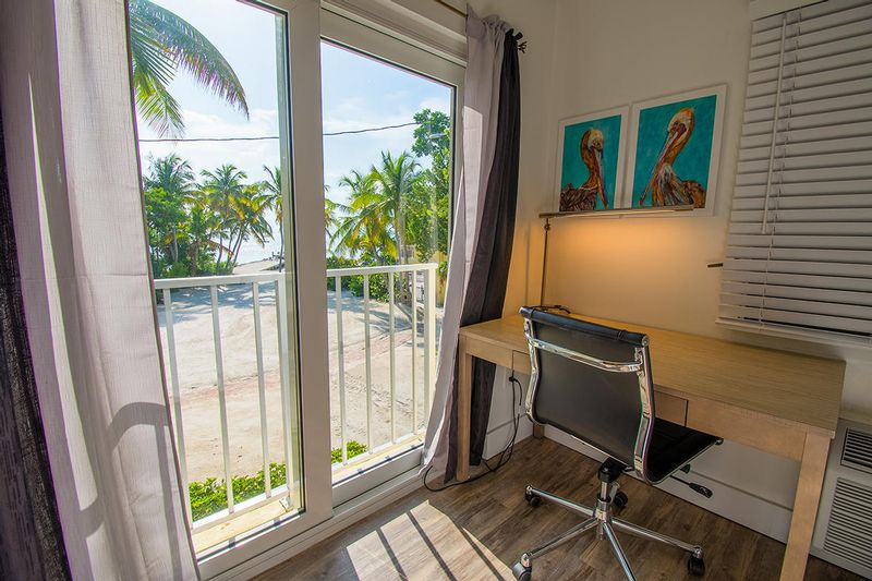 BAYSIDE INN KEY LARGO - Enjoy affordable luxury & all the FL Keys has to offer! - Image 2