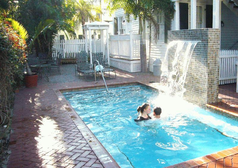 Key west hotels looking for that perfect key west hotel - Hotels in yeovil with swimming pool ...