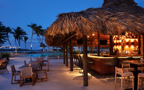 reelburger at AMARA CAY RESORT - Image 2