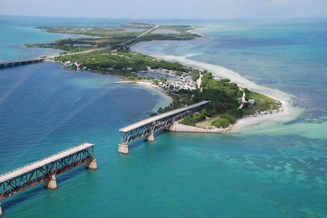 HELICOPTER TOURS OF THE FLORIDA KEYS - Image 3