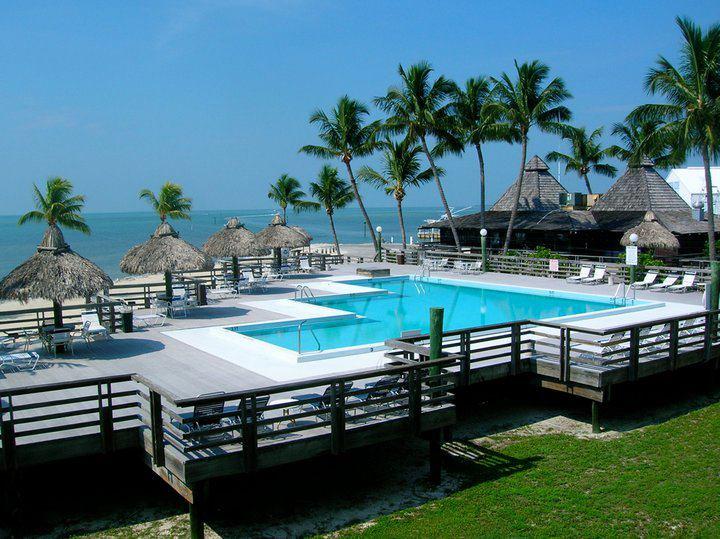 Caloosa Cove Resort and Marina - Image 2
