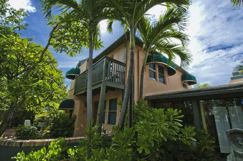 SUITE DREAMS INN - A Tropical Oasis - Image 1