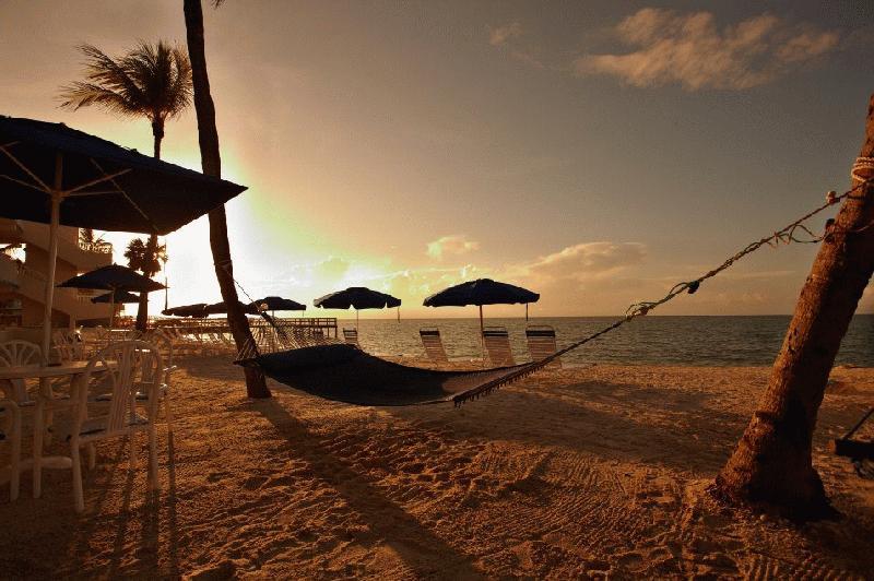 GLUNZ OCEAN BEACH HOTEL - Image 2