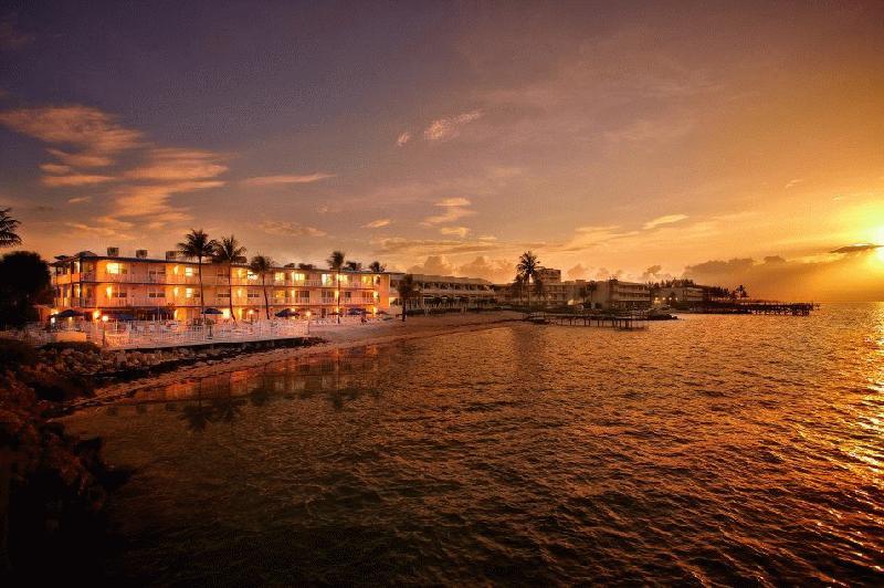 GLUNZ OCEAN BEACH HOTEL - Image 1
