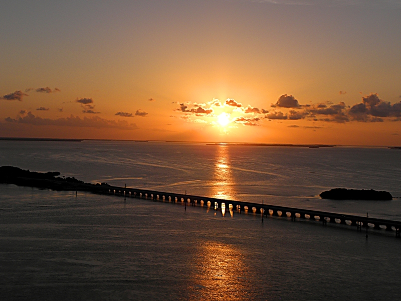 HELICOPTER TOURS OF THE FLORIDA KEYS - Image 2