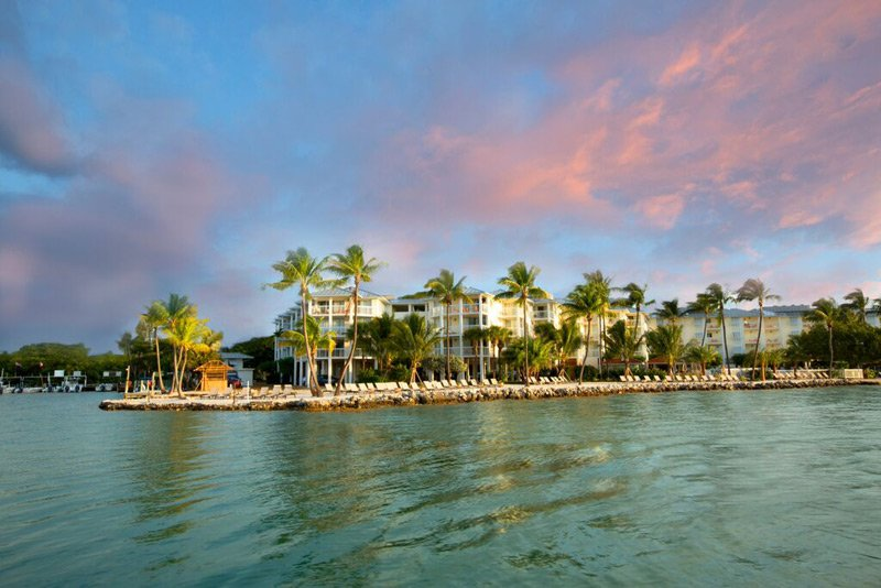 PELICAN COVE RESORT - Image 1