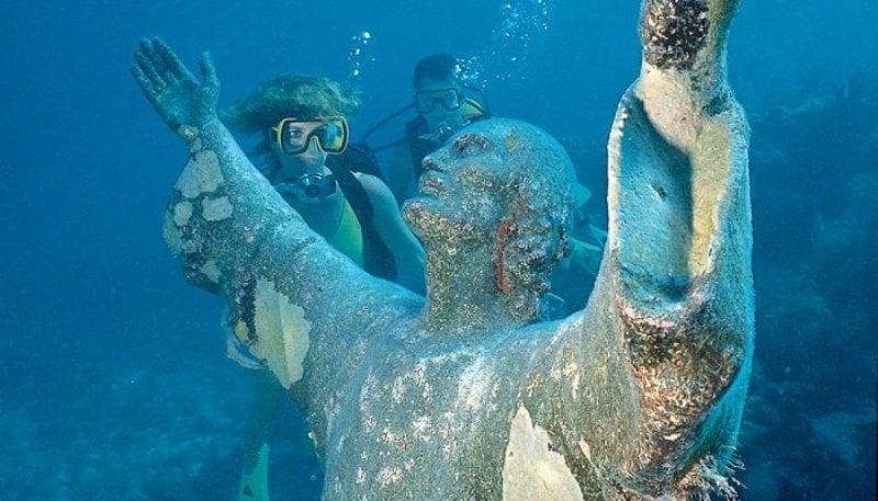 find key largo snorkeling information here at fla keys com the