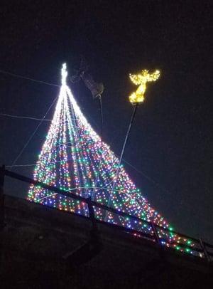 Keys-style Christmas tree