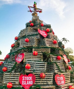 Christmas In Florida Keys.Keys Voices Southernmost Snow Fur Kids Meet Santa And