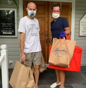 """""""Cooking With Love"""" volunteers Key West"""