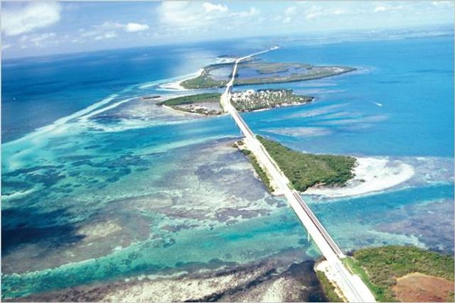 The Overseas Highway in the Florida Keys - the route to adventure