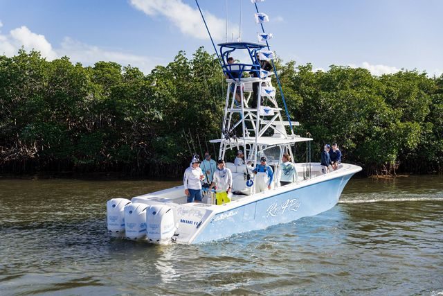 Boat teams competing for the guaranteed overall purse can fish in and around fishing boundaries that extend from Alligator Lighthouse off Islamorada to Fort Lauderdale, Florida.